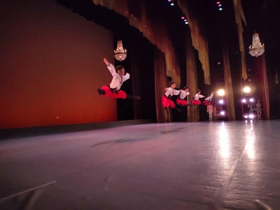 The CCP Dance Workshop performs 'The Nutcracker Ballet Act 2' in 'Tuloy Ang Pasko' to be broadcast on CNN Philippines, Channel 9, SkyCable Channel 14, Cignal Channel 10 on December 24, 25.