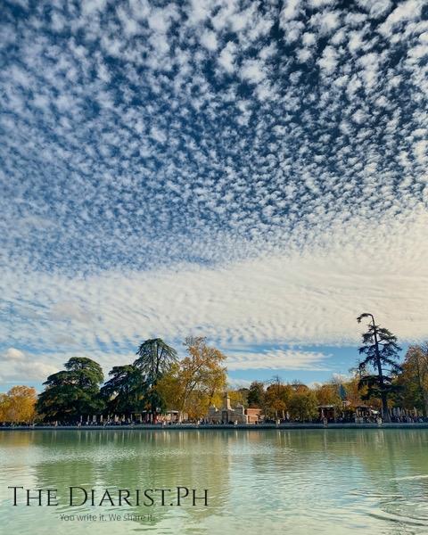 Cloud porn at Parque del Retiro.