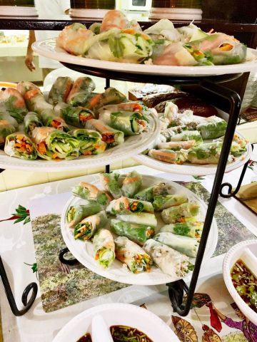 Fresh spring rolls with sweet chili <br> and peanut dipping sauces
