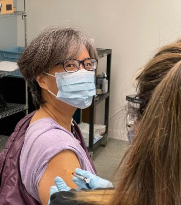 US-based pediatrician <br> on what it's like to get the jab