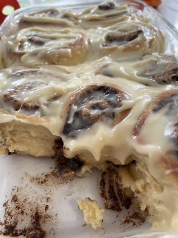 Cinnamon rolls:  Back on #ECQEats