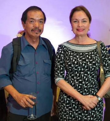 My chance encounters <br> with Filipino Misses Universe
