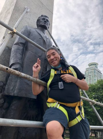 I climbed to be up close <br> and personal with Rizal